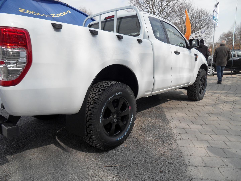 Kompletträder 265/70 R17  8J x 17 RGR3 Felgen und Reifen
